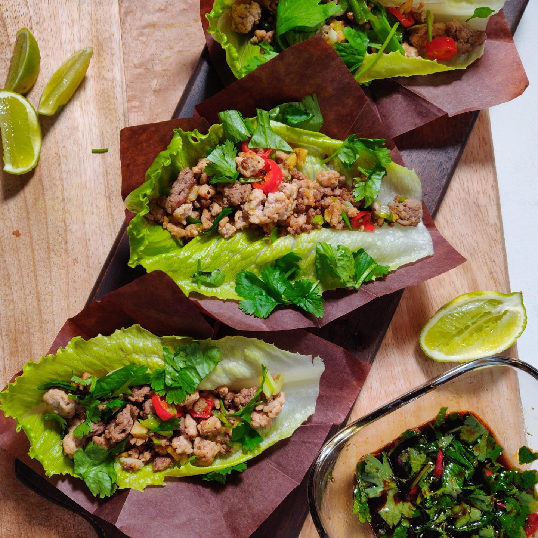 Vürtsikad hakklihatäidisega salatilehed