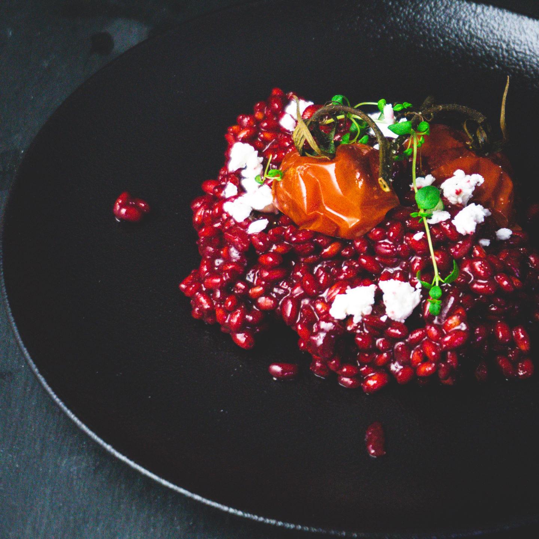 Peediorsotto kitsejuustu ja röstitud tomatitega