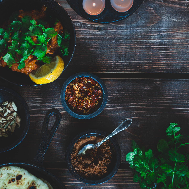 India võikana ja koduküpsetatud naan ning nipp suurepärase riisi valmistamiseks